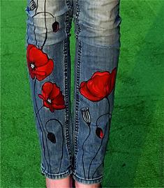 Брюки, шорты ручной работы. Ярмарка Мастеров - ручная работа. Купить Роспись на джинсах МАКИ. Handmade. Роспись по джинсам