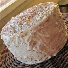 Been looking for this cake everywhere. Now ill just make it!!:) italian wedding cake.mmmm.