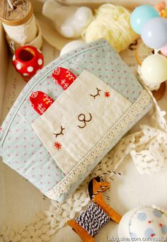 Bunny pouch ~ Not in my language, but inspirational design!!