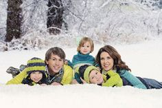 www.frostedproductions.com | #utah #photographer #family #photo #ideas #christmas #card #ideas #snow #forest #cute #kids #blue #green #outfits