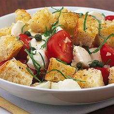 healthy summer dinner: bread salat with tomatoes and mozzarella