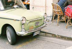 J'adore this pastel vintage car