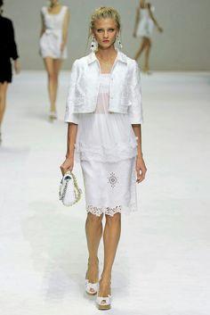 Dolce&Gabbana     2011    spring  Ready-To-Wear