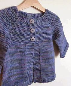 Ravelry: Project Gallery for Elliot Sweater pattern by Teresa Cole.adorable easy to make sweater. Ravelry: Project Gallery for Elliot Sweater pattern by Teresa Cole.adorable easy to make sweater. Toddler Knitting Patterns Free, Baby Cardigan Knitting Pattern Free, Baby Sweater Patterns, Knitted Baby Cardigan, Knit Baby Sweaters, Knitting For Kids, Toddler Cardigan, Cardigan Bebe, Quick Knits