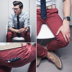 Red pants can add a color splash and a colorful twist to your wardrobe. They're unexpected, yet red pants continue to trend in men's fashion. Red Pants Men, Burgundy Pants, Maroon Pants Outfit, Fashion Moda, Mens Fashion, Fashion Outfits, Fashion Trends, Fashion Scarves, 1950s Fashion