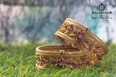 KalaMandir Jewellers Ltd. Best Gold, Diamond & Platinum Jewellery Showroom Brands in India Mens Gold Jewelry, Gold Jewelry Simple, Golden Jewelry, Simple Necklace, Bridal Jewelry, Antique Jewellery Designs, Fancy Jewellery, Temple Jewellery, Gold Bangles Design
