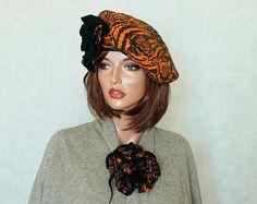 Berretto nero e zucca felted beret Nunofelt con il berreto di due spille Nuno feltro basco francese seta e berretto di lana