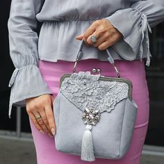 Lace Purse, Chic Outfits, Fashion Outfits, Diy Clutch, Coin Purses, Wardrobe Basics, Women's Jewelry, Elegant Woman, Luxury Handbags