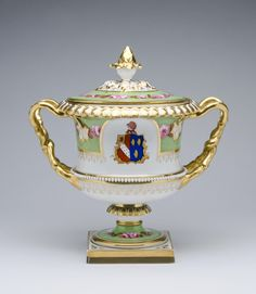 Fruit Cooler Made by the Worcester porcelain factory c. 1817