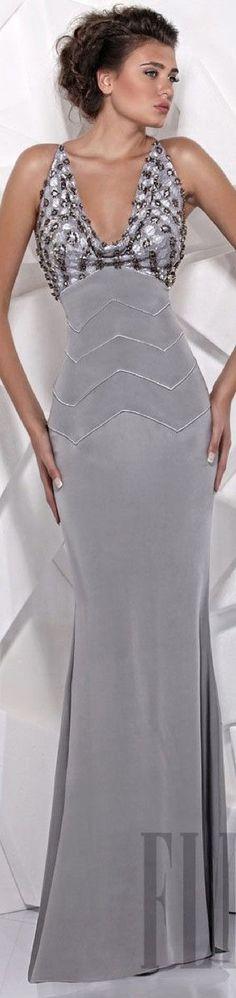 Tony Ward Spring Summer 2012 Ready to Wear--so elegant! Grey Fashion, Look Fashion, Runway Fashion, Beautiful Gowns, Beautiful Outfits, Beautiful People, Elegant Dresses, Pretty Dresses, Mode Glamour