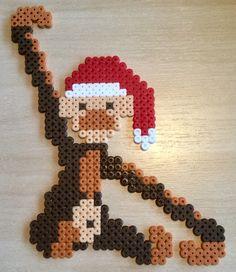 Jul, abe, perler, hama Cute Cross Stitch, Beaded Cross Stitch, Modern Cross Stitch, Hama Mini, Christmas Star, Simple Christmas, Christmas Ornaments, Hama Beads Patterns, Beading Patterns