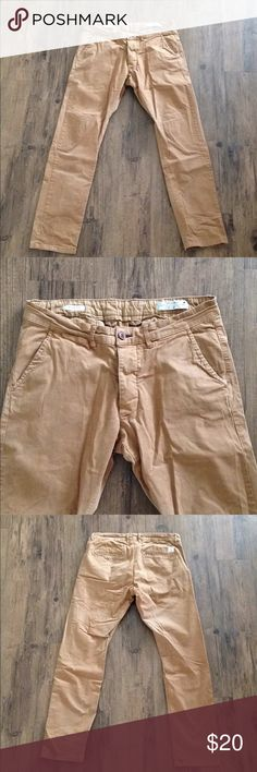 Jack & Jones European khaki chinos Jack & Jones European brand chino pants. Great condition, slim fit. No marked size but fit like a 30. Jack and Jones Pants Chinos & Khakis
