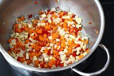 Ciorbă de conopidă, rețetă fără carne | Laura Laurențiu Salsa, Ethnic Recipes, Food, Essen, Salsa Music, Meals, Yemek, Eten