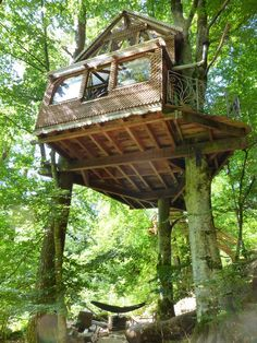 cabane dans les arbres, dans le respect de la nature, au cœur du Parc Naturel de Millevaches en Limousin.