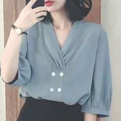 womens tops on sale Look Fashion, Hijab Fashion, Fashion Dresses, Blouse Patterns, Blouse Designs, Sleeves Designs For Dresses, Sleeve Designs, Elisa Cavaletti, Sewing Blouses
