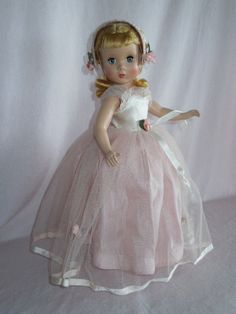 """OUTSTANDING 14"""" Madame Alexander Strung Rosamund the Bridesmaid Doll from ~ GANDTIQUES ~ found @Doll Shops United http://www.dollshopsunited.com/stores/gand/items/1298915/OUTSTANDING-14-Madame-Alexander-Strung-Rosamund #dollshopsunited"""