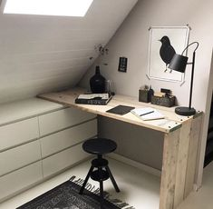 Jugendzimmer Dekor Youth room decor youth room decor The post youth room decor appeared first on storage ideas. Attic Renovation, Attic Remodel, Attic Office, Small Office, Corner Office, Office Nook, Office Decor, Attic Bedrooms, Attic Bedroom Decor