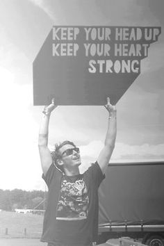 Ben Howard - the most incredible musician. His music will never, EVER get old <3