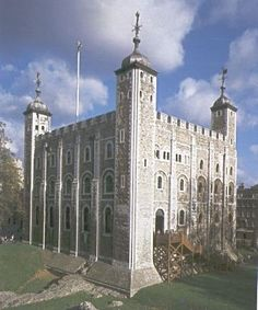 The White Tower is the oldest structure within the Tower of London.  White Tower, which gives the entire castle its name, was built by William the Conqueror in 1078, and was a resented symbol of oppression, inflicted upon London by the new ruling elite.