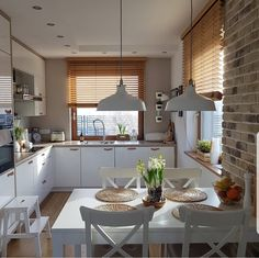 Small Apartment Kitchen, Home Decor Kitchen, Home Kitchens, Kitchen Design, Inside A House, Modern Kitchen Interiors, Home And Deco, Kitchen Remodel, Sweet Home