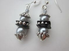 Earrings Focus on Black and Grey  £4.50