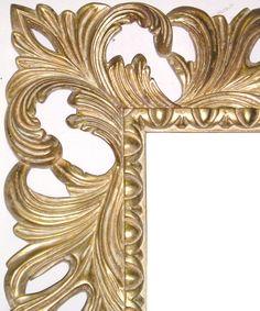 Cornice intagliata decorata interamente a foglia oro