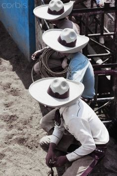 Cowboys at the Rodeo. Mexican Rodeo, Mexican Art, Mexican Style, Spanish Heritage, Puerto Rican Culture, Mexico Culture, South Of The Border, Western Hats, World Photography