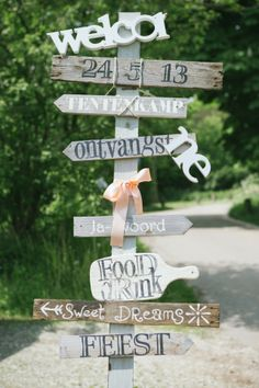 lovely and elegant wedding direction sign with bow you will love/ rustic chic fall wedding signs/ cheap wedding signs/ stylish wedding signs Ibiza Wedding, Trendy Wedding, Perfect Wedding, Fall Wedding, Diy Wedding, Dream Wedding, Elegant Wedding, Wedding Themes, Wedding Signs