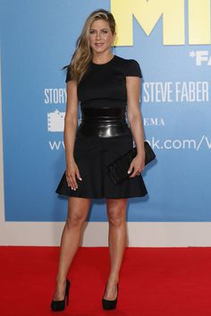 Not a fan of Jennifer Aniston but I love the shape of this Alexander McQueen dress!