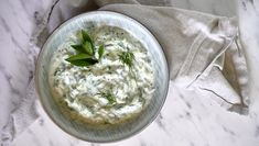 Okurkový salát 6x jinak - Kuchařka pro dceru Soup Recipes, Salad Recipes, Tzatziki, Camembert Cheese, Soups, Daughter, Cooking, Food, Kitchen