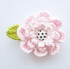 "Crochet Flower. Free pattern. I made it in 4 colors for ""Koninginnedag"" looks great!!"