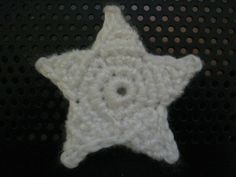 Very sweet and easy 5 pointed star pattern... useful as a possible garland with Christmas on the way!  CUTE!