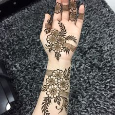 Latest Amazing Mehndi Designs For Parties Hello Guys! here you will see Latest Mehndi Designs with Amazing Patterns for your Hands and. Henna Hand Designs, Modern Henna Designs, Mehndi Designs Finger, Floral Henna Designs, Latest Arabic Mehndi Designs, Mehndi Designs For Girls, Stylish Mehndi Designs, Mehndi Designs For Beginners, Mehndi Designs For Fingers