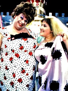 Hairspray (1988) Divine and Ricki Lake. cockroach dress! Because the ORIGINAL #Hairspray was sooo much better.