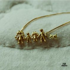 the whole family necklace with pet in gold 18k / colar familia com pet em ouro 18k