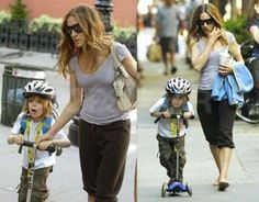 Carrie we mean SJP with her little boy and his Mini Micro scooter. You can get one here: AU: http://www.microscooters.com.au/scooters/preschoolers-scooters/minimicro-mini-micro NZ: http://www.microscooters.co.nz/scooters/preschoolers-scooters/minimicro-mini-micro