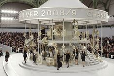 chanel-carosel. 2008/2009 collection presented this way. So cool.