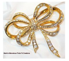 Awesome vintage Rhinestone Bow by Kenneth J. Lane for Avon Brooch/Pin by MarlosMarvelousFinds