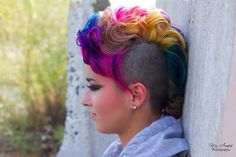 Amazing cut and color Pravana Mohawk Hairstyles, Fancy Hairstyles, Wild Hairstyles, Green Hair, Blue Hair, White Hair, Extreme Hair Colors, Goth Hair, Alternative Hair
