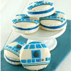 Olha que bacana e original esses macarons Star Wars! Para ver mais ideias de macarons decorados entra no nosso blog: http://ift.tt/225xBso (link na bio)  #kikidsparty by kikidsparty