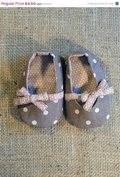 ON SALE 10% Keeley Baby Shoes - PDF Pattern - Newborn to 18 months.