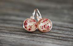 Ohrringe - Ohrhängerchen  echte Blüten rosegold - ein Designerstück von VillaRosaSchmuck bei DaWanda