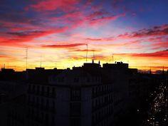 Reposting @juanjosr: #goodmorning #saturday #weekend #madrid #sky El cielo de Madrid. Pongamos que hablo de Madrid. #nice #cute #beauty #beautiful #skyline #picoftheday #photooftheday #life #like4like #followme #barcelona #color #clouds #sunset De Madrid al cielo. #cold #autumn #spain #chamberi #igers #iphone7plus #instagood #instadaily #instalike