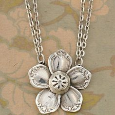 Flower necklace made from recycled silverware. How creative! ~This is exactly what you want to watch out for, some crafters use sterling silver flatware pieces for their jewelry creations. Recycled Silverware, Silverware Jewelry, Spoon Jewelry, Jewelry Box, Jewelery, Jewelry Accessories, Jewelry Design, Jewelry Making, Cutlery