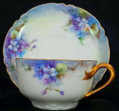 RARE STUNNING HAVILAND LIMOGES CUP & SAUCER PURPLE PANZY FLOWERS & GOLD *MINT* | #1010074872 Tea Sets Vintage, Vintage Teacups, Vintage Dishes, Royal Tea, China Tea Cups, My Cup Of Tea, Coffee Set, China Patterns, Tea Cup Saucer