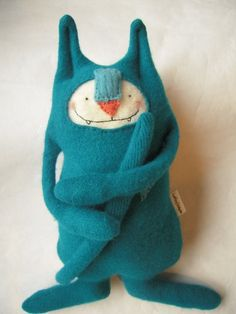 upcycled sweater cat http://dailyshoppingcart.com/toys