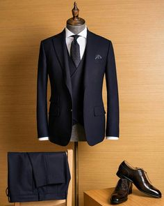 Harrisons,Fox Bros & Caccioppoli in Greater China is part of Wedding suits men - Provided that the unqiue texture, some people may have doubt about the business formality of Smith Woollens Finmeresco This Finmeresco navy suit can clear the doubt Navy Suit Brown Shoes, Blue Suit Men, Dark Navy Suit, Mens Fashion Blazer, Suit Fashion, Daily Fashion, Fashion Women, Mode Costume, Designer Suits For Men