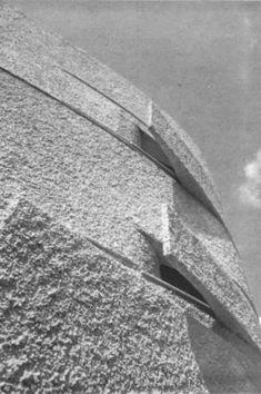 villa La Califfa a Santa Marinella Modern Architecture Design, Facade Architecture, Building Facade, Building Exterior, Luigi, Brutalist Design, Villa, Concrete, Santa
