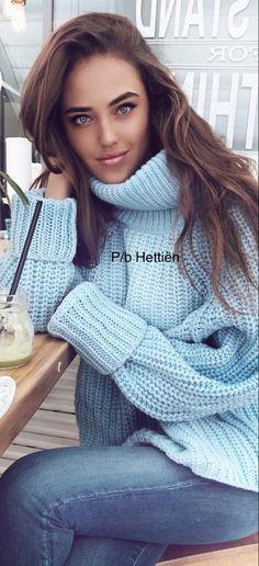 Kristina Krayt, Thick Sweaters, Sweater Weather, Knitwear, Knit Crochet, Autumn Fashion, Girl Fashion, Beautiful Women, Turtle Neck