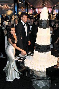 Is Kardashian Wedding Cake Any Good? Five Ways You Can Be Certain - Is Kardashian Wedding Cake Any Good? Five Ways You Can Be Certain - kardashian wedding cake Celebrity Wedding Dresses, Wedding Dresses 2014, Celebrity Weddings, Kim Kardashian Kris Humphries, Kris Jenner, Sean Parker, Tall Wedding Cakes, Cake Wedding, Kim Kardashian Wedding